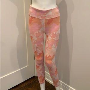Outdoor Voices Pink Camo 7/8 Flex Leggings NWOT